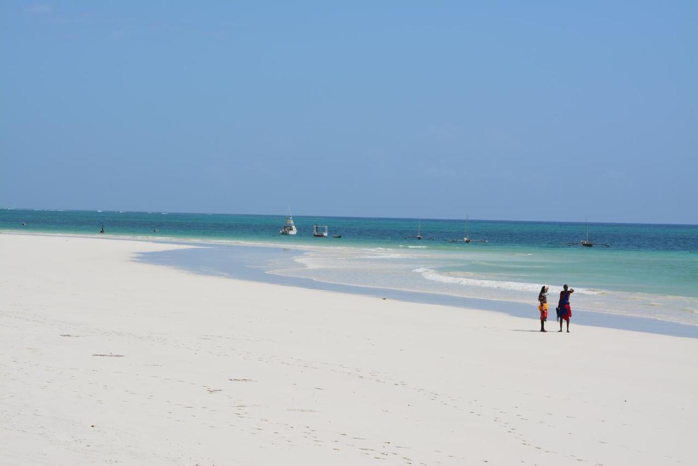 14 days Kenya Safari beach vacation